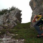 Un parapendista di 75 anni precipita a Meduno, interviene il Soccorso Alpino