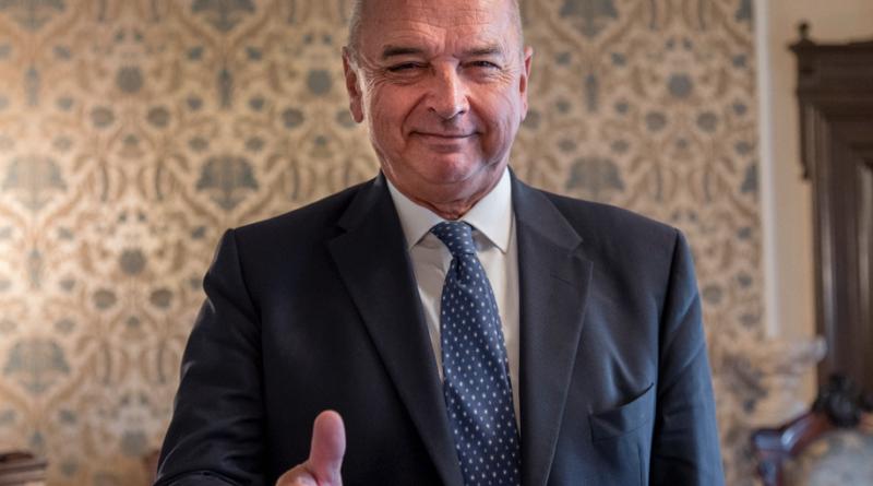 Roberto Dipiazza di misura sindaco di Trieste: scarto di pochi punti con Francesco Russo